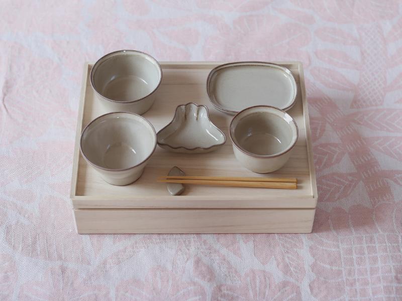 おしゃれなお食い初め 食器 セット amabro okuizome(波佐見焼の陶磁器)